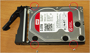 WD Red 3TB トレイ固定方法
